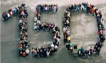 Schüler der Stuttgarter Realschule stellen die Jahreszahl
