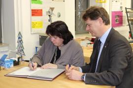 Unterzeichnung des Kooperationsvertrags